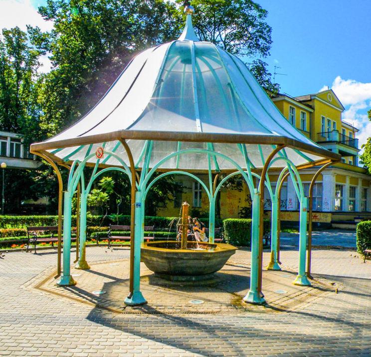 fontanna z wodą solankową