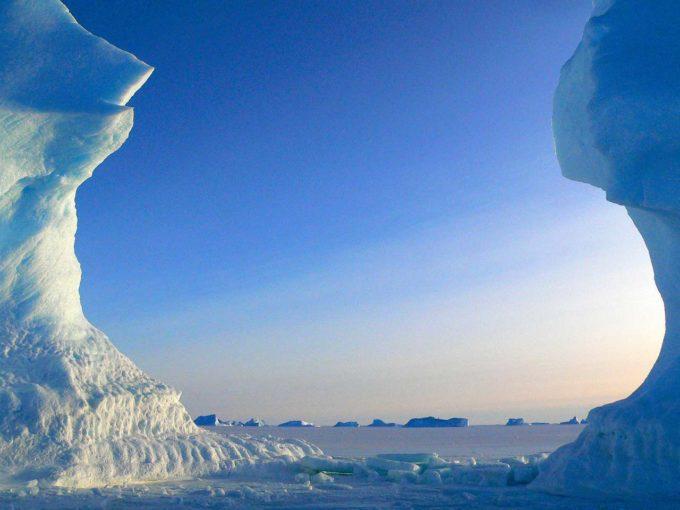 icebergi