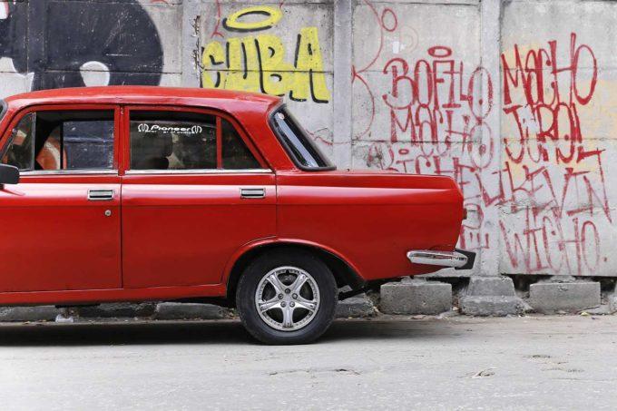 samochód ściana wymalowana