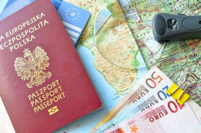 Wakacje w Grecji – co warto wiedzieć przed wyjazdem na nie?