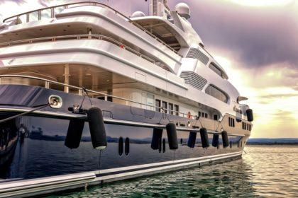 Jak wyposażyć jacht? O czym warto pamiętać?