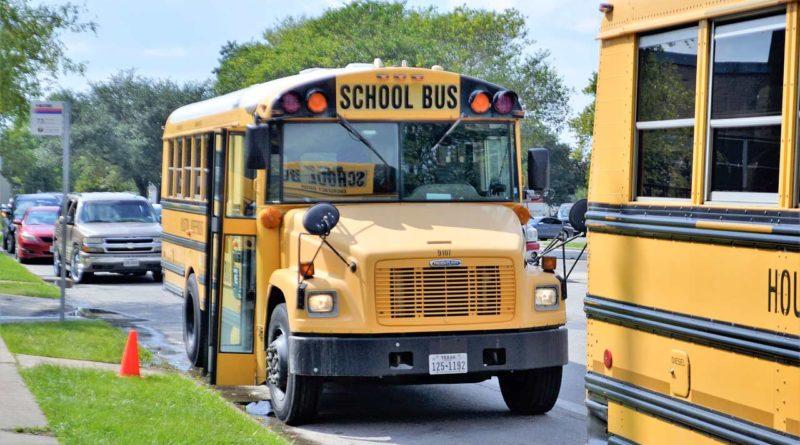 szkolny autobus