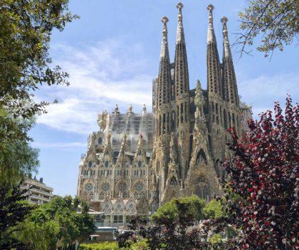 Sagrada Familia w Barcelonie – Informacje, fakty i zaskakujące ciekawostki
