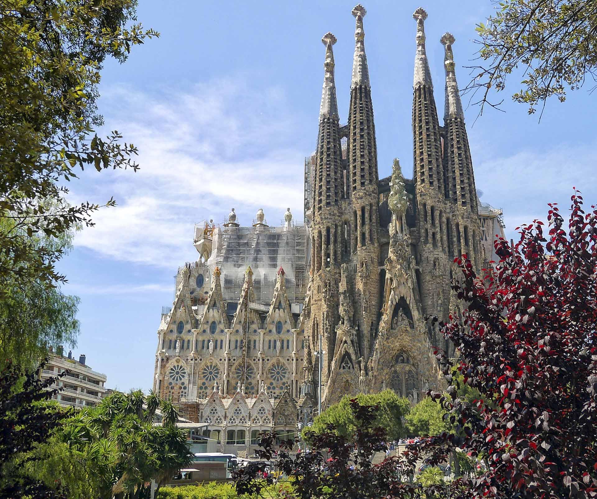 Sagrada Familia w Barcelonie - Informacje, fakty i zaskakujące ...