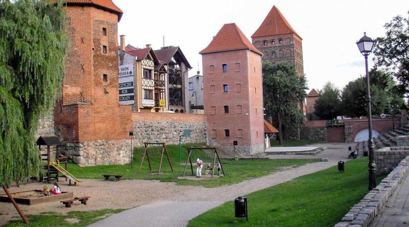 Mury obronne w Chojnicach