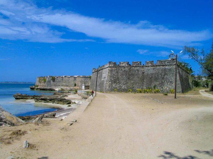 plaża i fortyfikacje