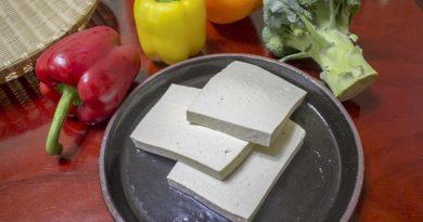 pokrojone tofu na talerzu
