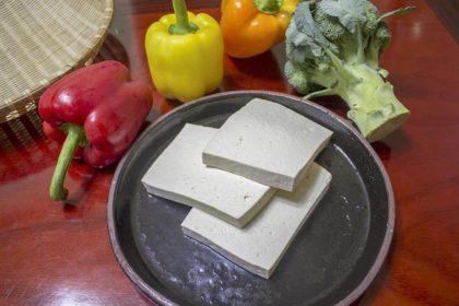 Co to jest tofu? Wartości odżywcze i skąd jest tofu?