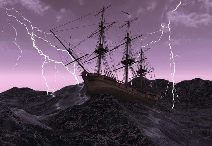 statek w trakcie burzy