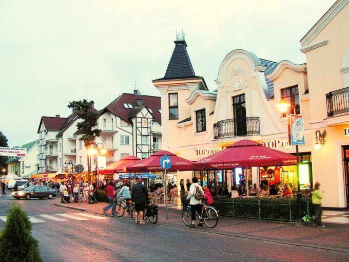 Pobierowo centrum wsi