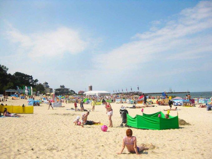 plaża i latarnia