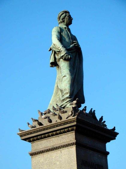statua Adama Mickiewicza
