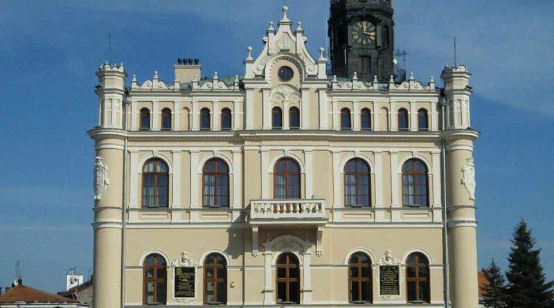 Jarosław rynek i ratusz