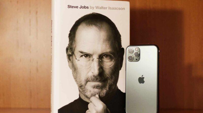 książka i telefon