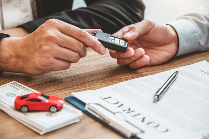 Co wiedzieć wynajmując samochód
