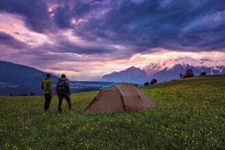 Wybór namiotu turystycznego na biwak